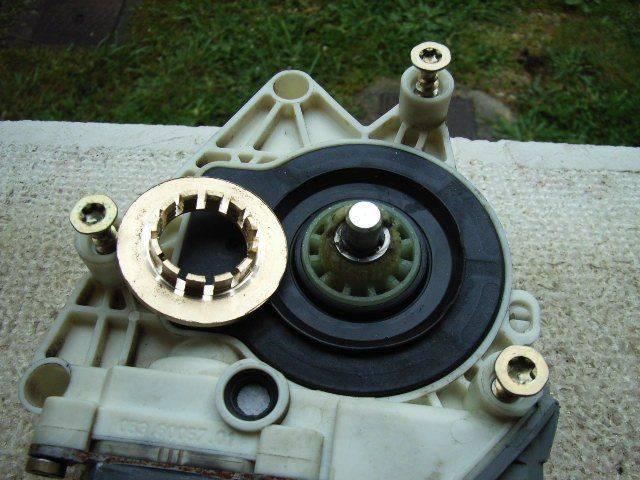 reparation lève vitre 406 break 010.jpg