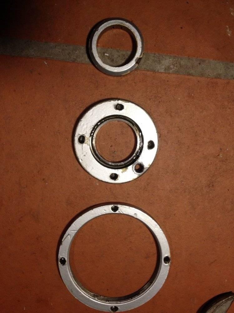Rondelles de fermeture du cul de l'arbre horizontal.jpg