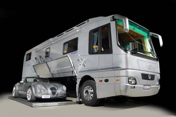 S0-Votre-Wiesmann-dans-votre-camping-car-80450.jpg