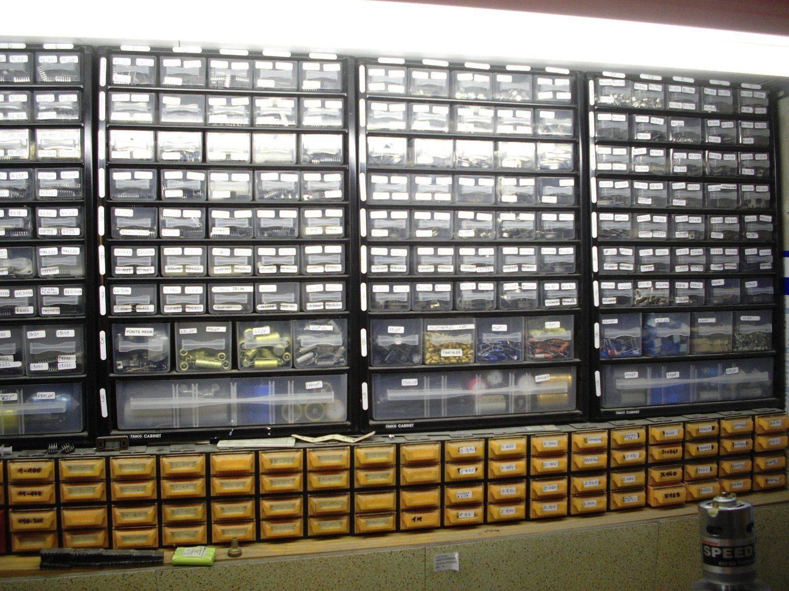 stock composants electroniques.JPG