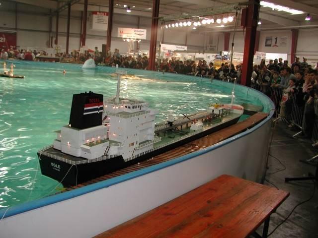 t_sinsheim_boat_06_309.jpg