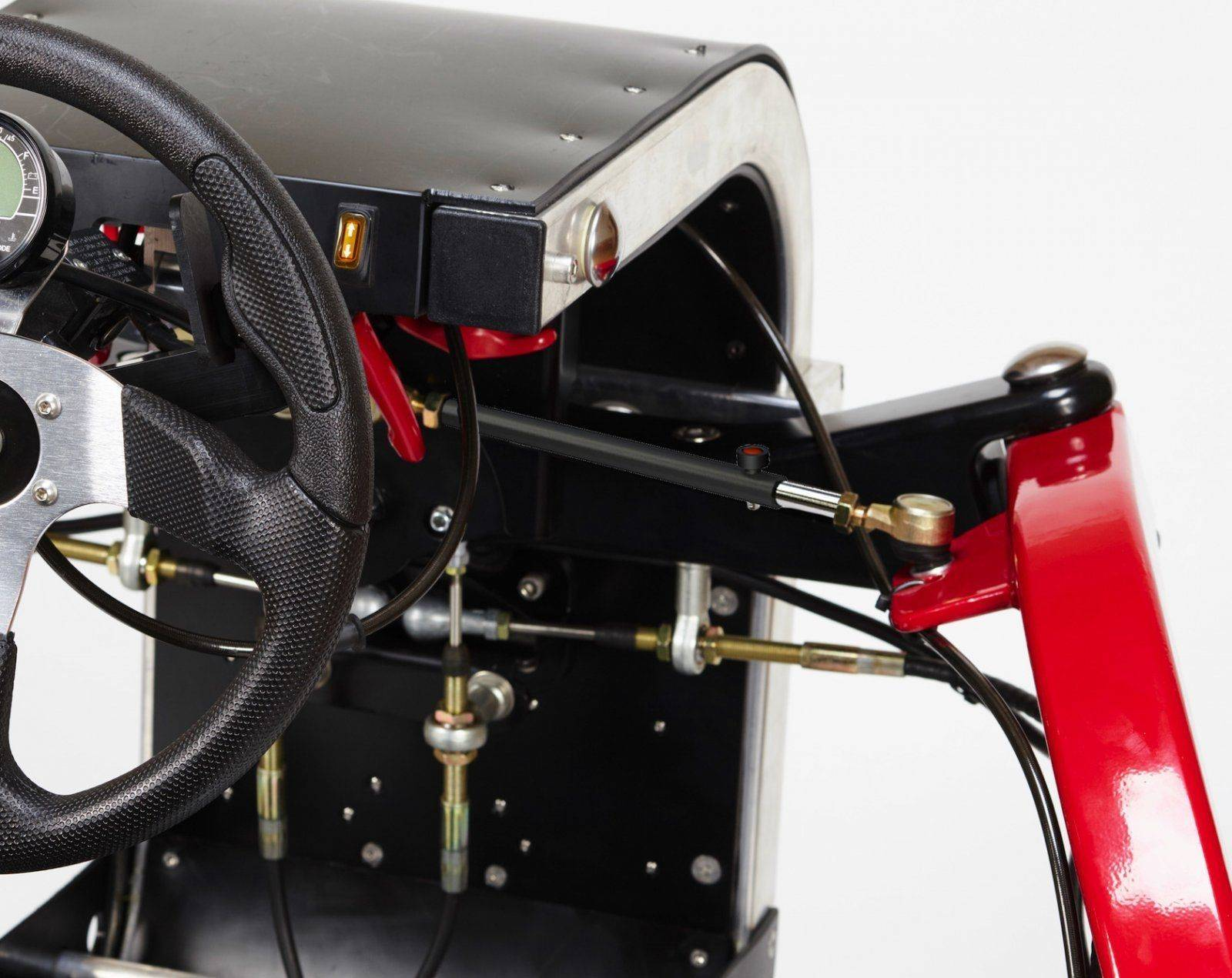The-Swincar-E-Spider-static-steering-HIGH-RES-1.jpg