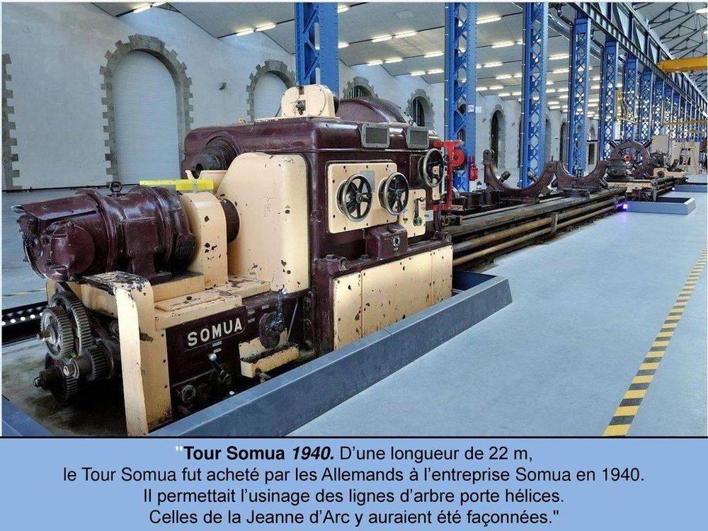 Tour+Somua+1940_+D'une+longueur+de+22+m,.jpg