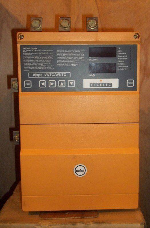 Variateur Cegelec 56 kW-face.jpg