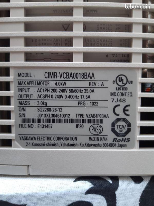 variateur yaskawa V 1000 4 Kw  photo face arriere .jpg