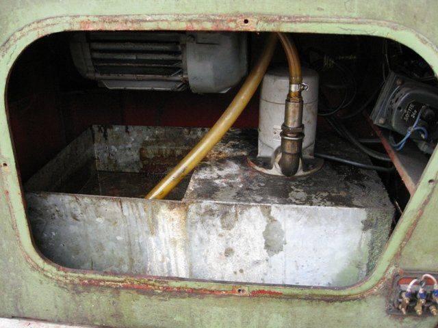 Vue bas systeme pompe et moteur entrainement.jpg
