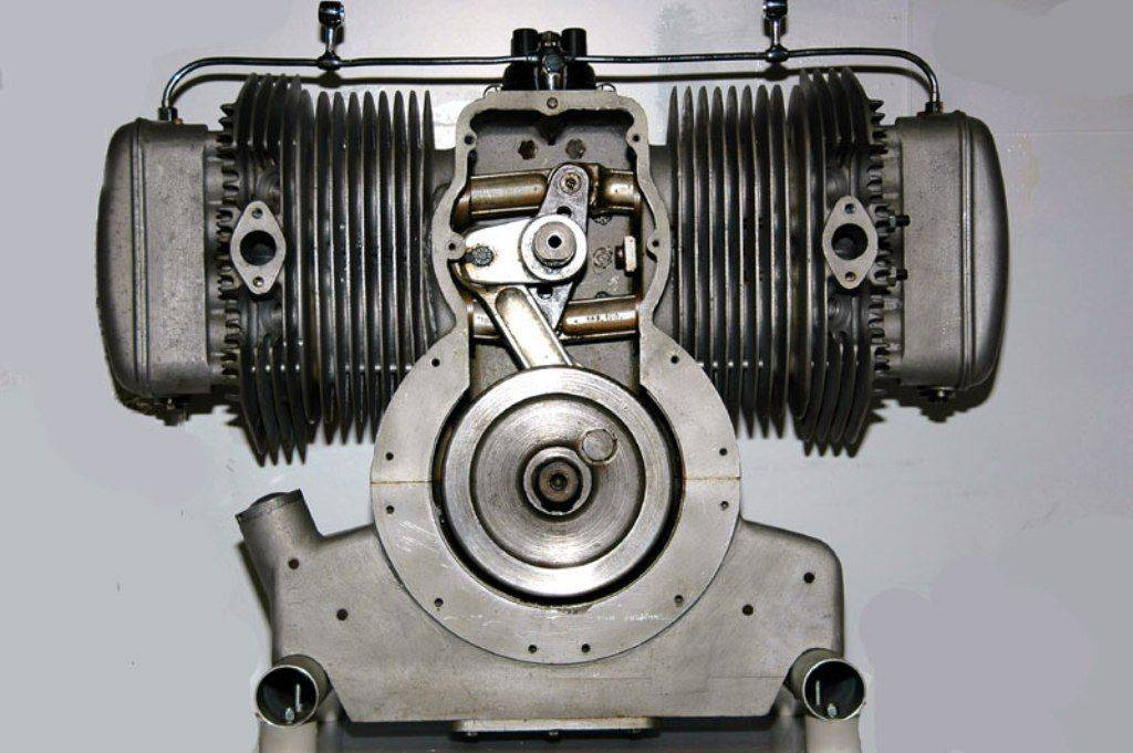 Wooler-Flat-Four-Engine 1955.jpg