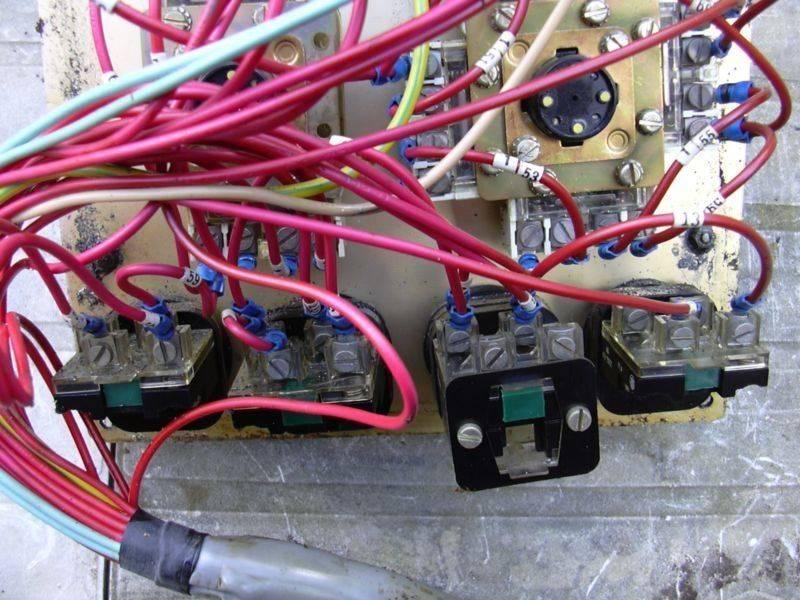 Z1C cycle cubique - Pupitre operateur (derrière 2).jpg