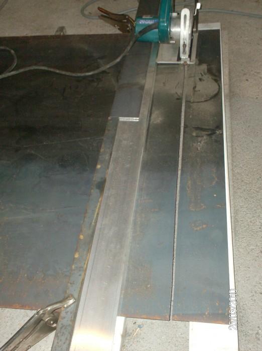 Comment couper de la t le de 2mm sur 1m de long usinages - Comment couper droit avec une scie sauteuse ...